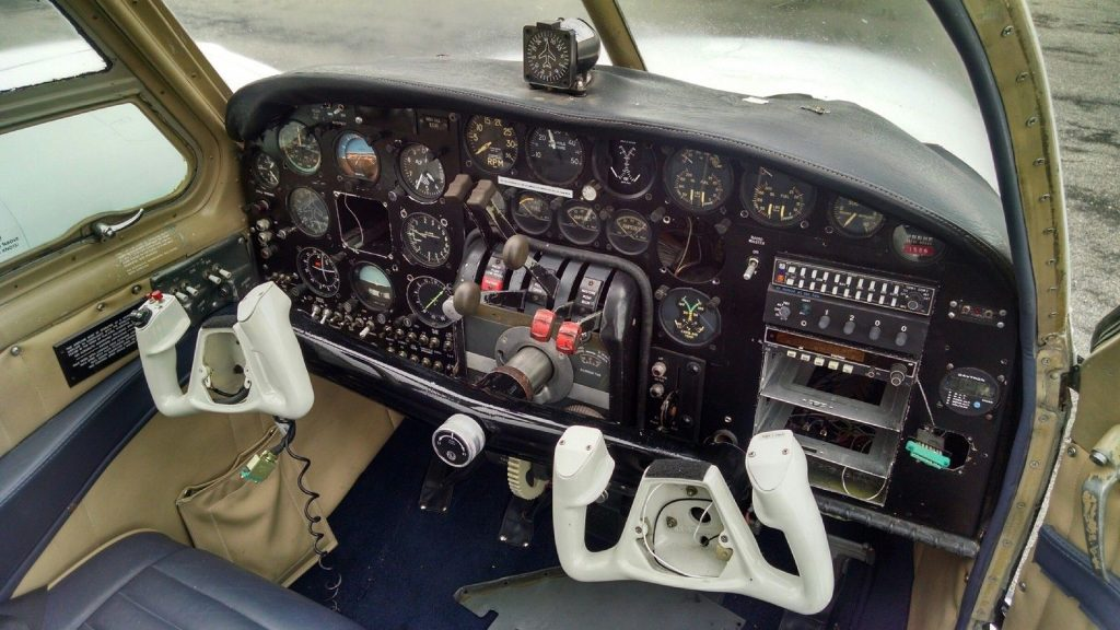 Low hours engines 1959 Beechcraft Travel air Airplane