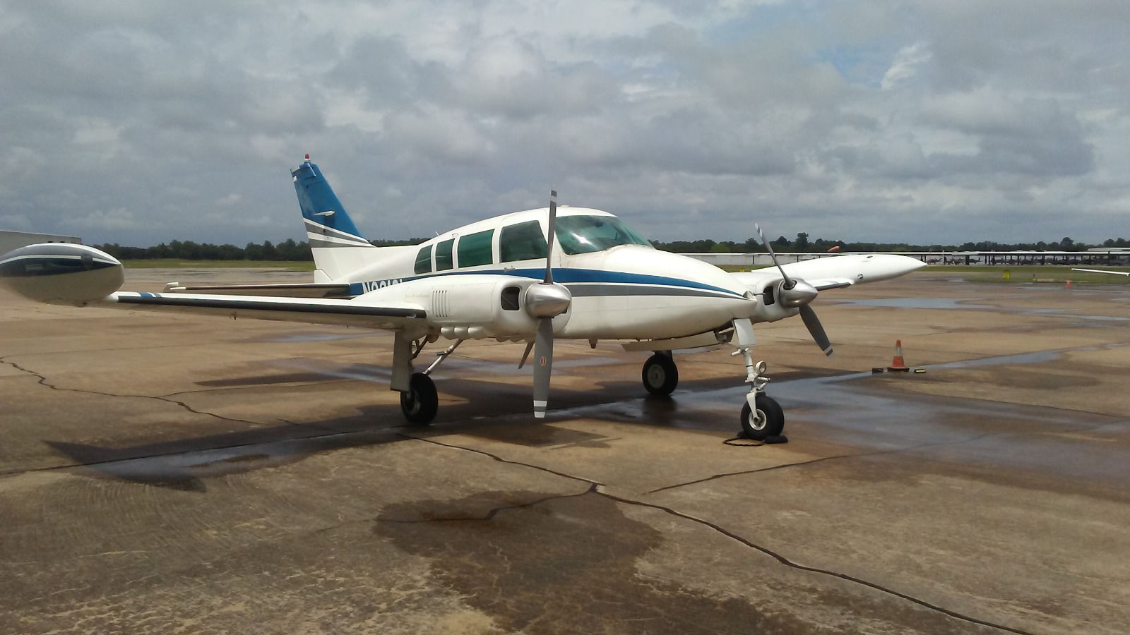Traffic Light For Sale >> Great condition 1963 Cessna 320 aircraft for sale