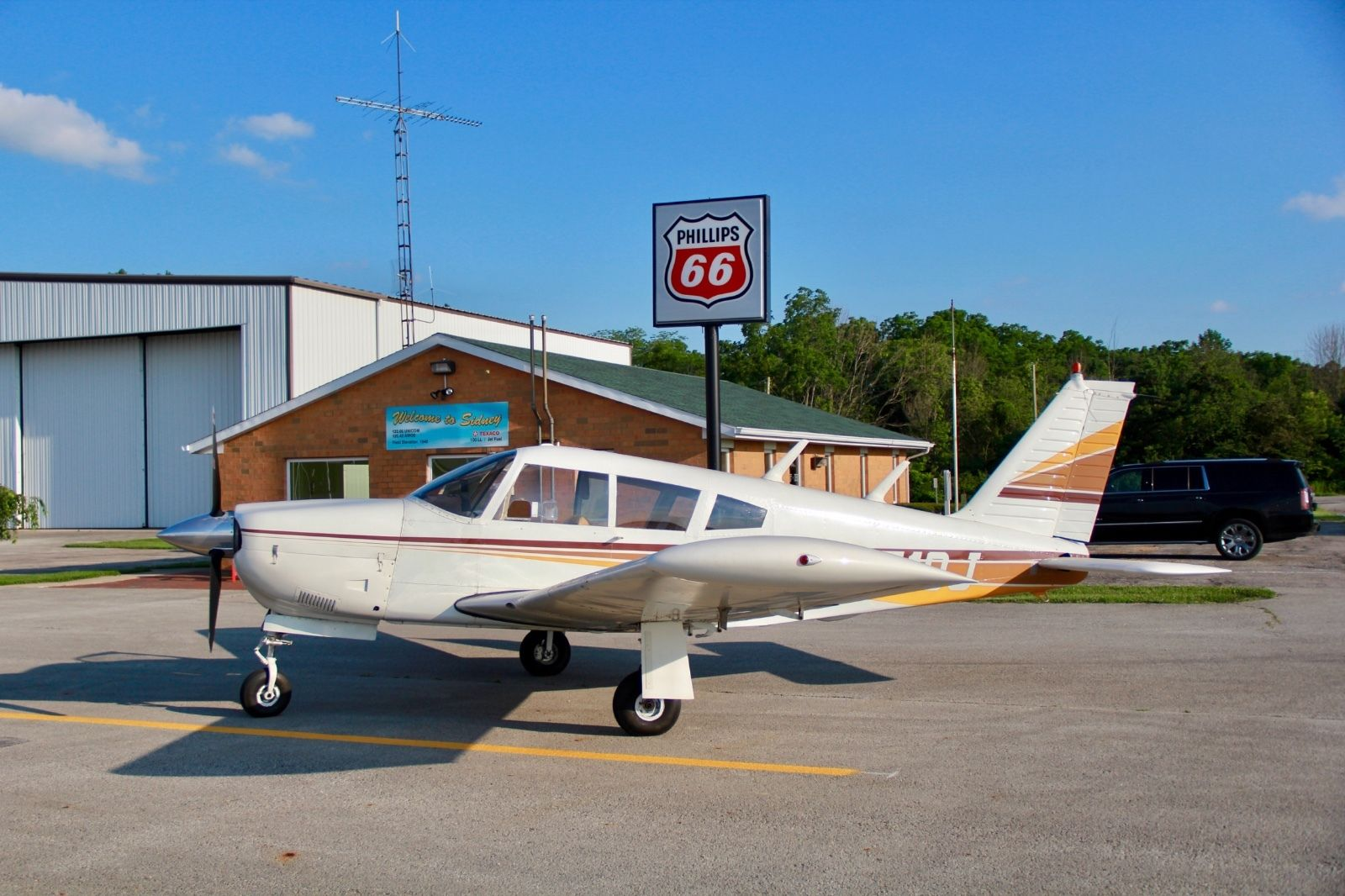 hangared 1968 Piper Arrow aircraft for sale