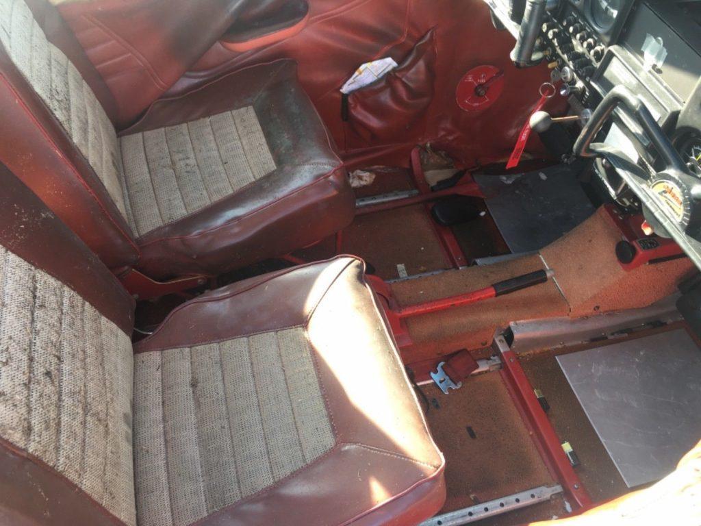 Piper Cherokee 140 Interior
