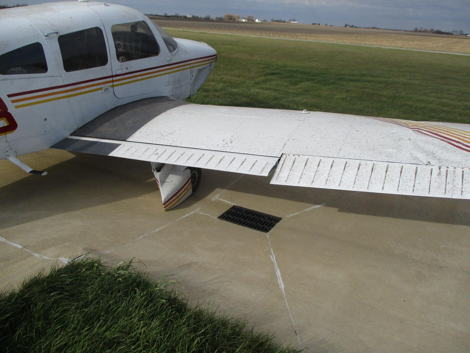 damaged 1979 Piper PA 28 236 Dakota aircraft