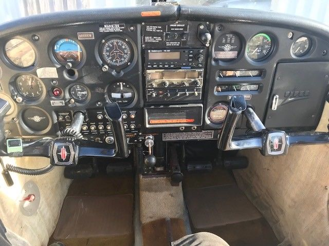 Clean 1965 Piper PA 28 Cherokee 140 aircraft