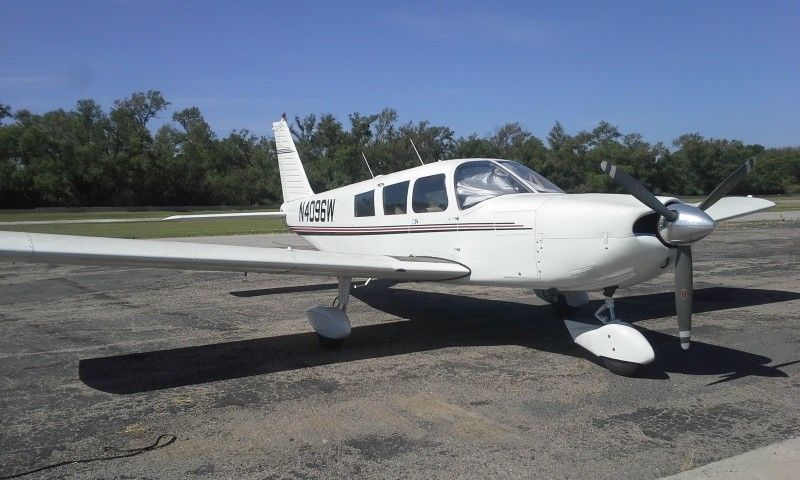 flies great 1967 Piper Cherokee PA32 aircraft for sale
