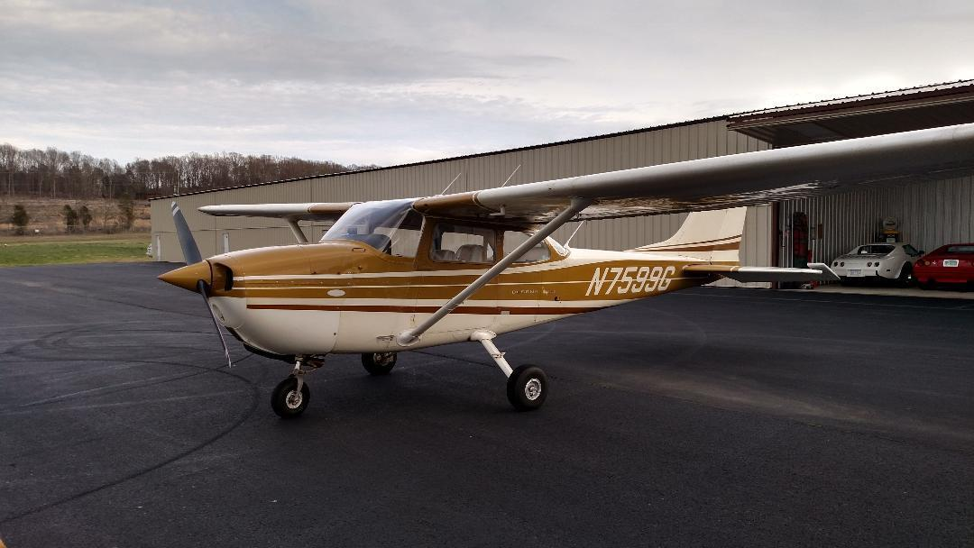 hangared 1970 Cessna 172 L Aircraft for sale