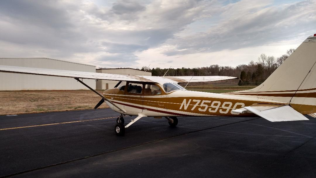 hangared 1970 Cessna 172 L Aircraft
