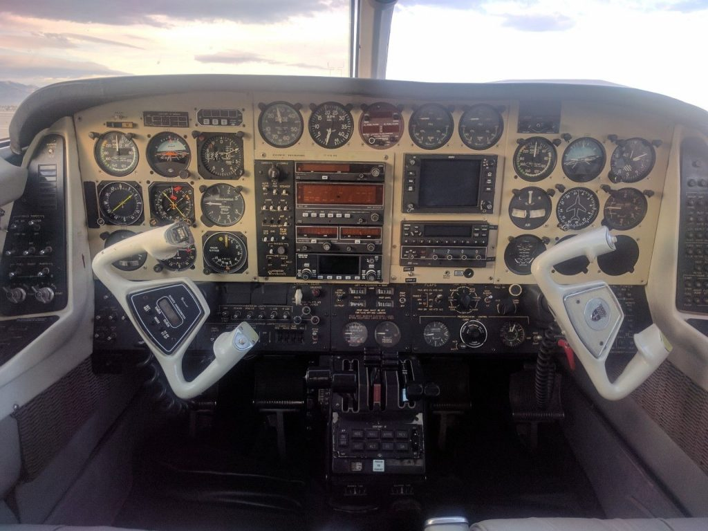 no corrosion 1976 Beechcraft Duke B60 aircraft