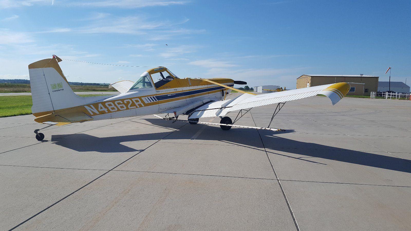 little damage 1975 Cessna aircraft
