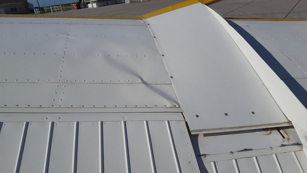 little damage 1975 Cessna aircraft