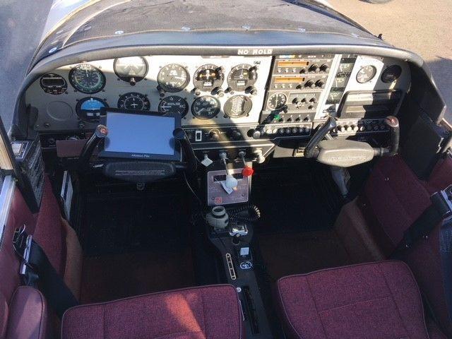 solid 1976 Grumman Tiger AA5B aircraft