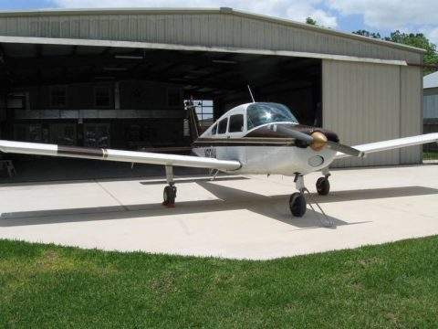 good shape 1966 Beechcraft A23A MUSKETEER aircraft for sale