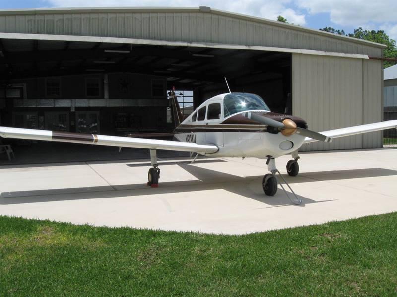 good shape 1966 Beechcraft A23A MUSKETEER aircraft