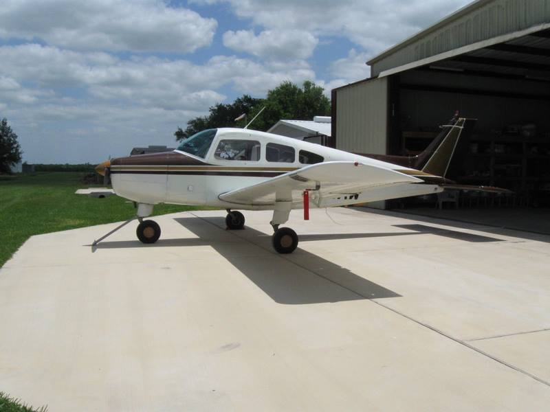 good shape 1966 Beechcraft A23A MUSKETEER aircraft