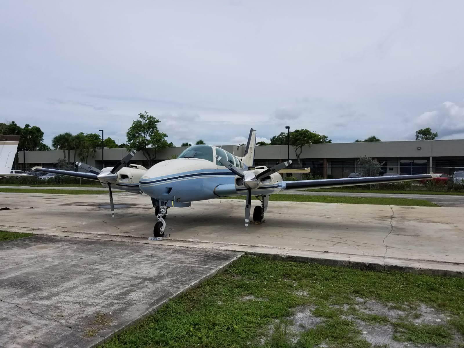 minor damage 1984 Beechcraft Baron B 58 aircraft for sale