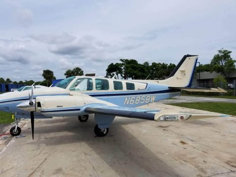 small damage 1985 Beech Baron B 58 aircraft for sale