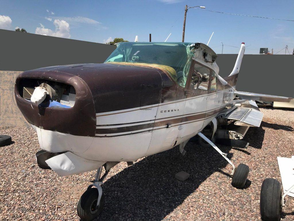 low time 1960 Cessna 210 aircraft