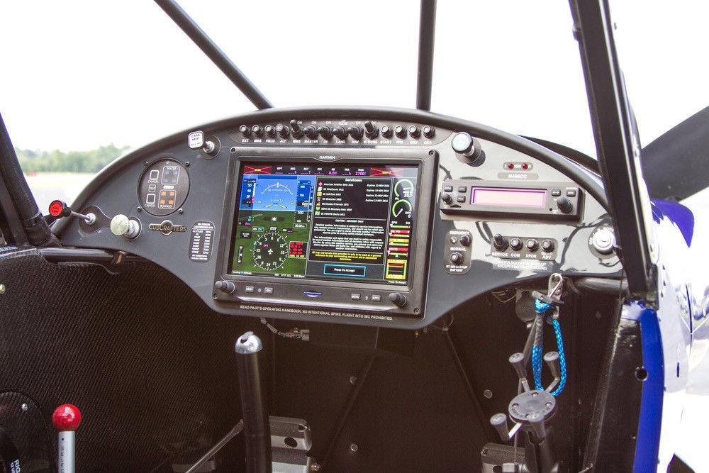 beautiful 2014 Cubcrafters Carbon Cub CC11 160 Amphibious aircraft
