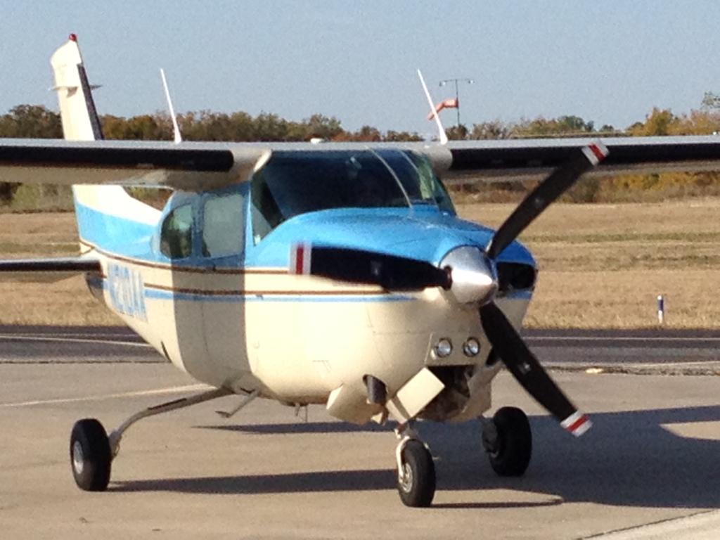 well equipped 1982 Cessna Turbo 210N aircraft