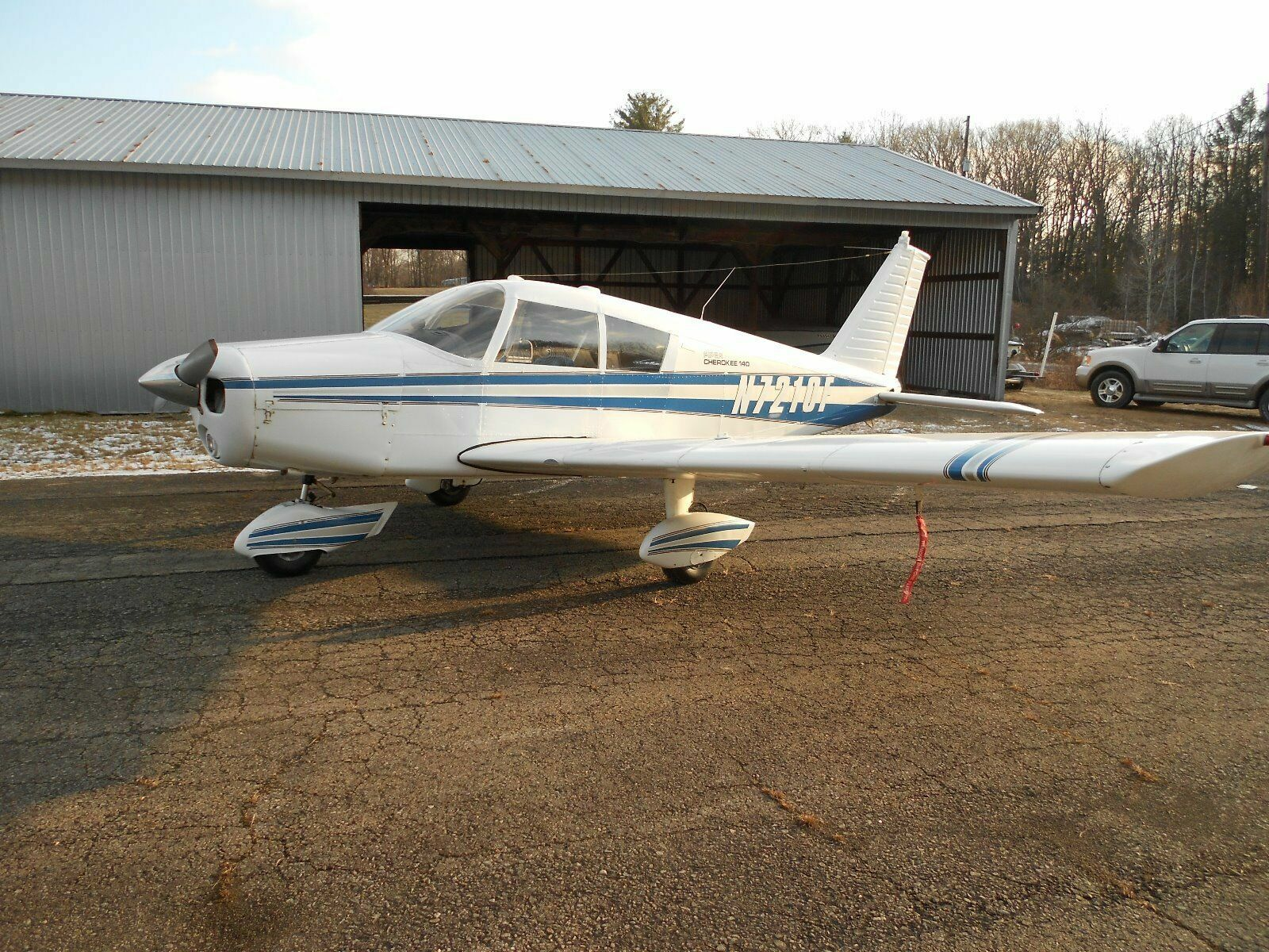 hangared 1968 Piper PA 28 140 Cherokee aircraft for sale