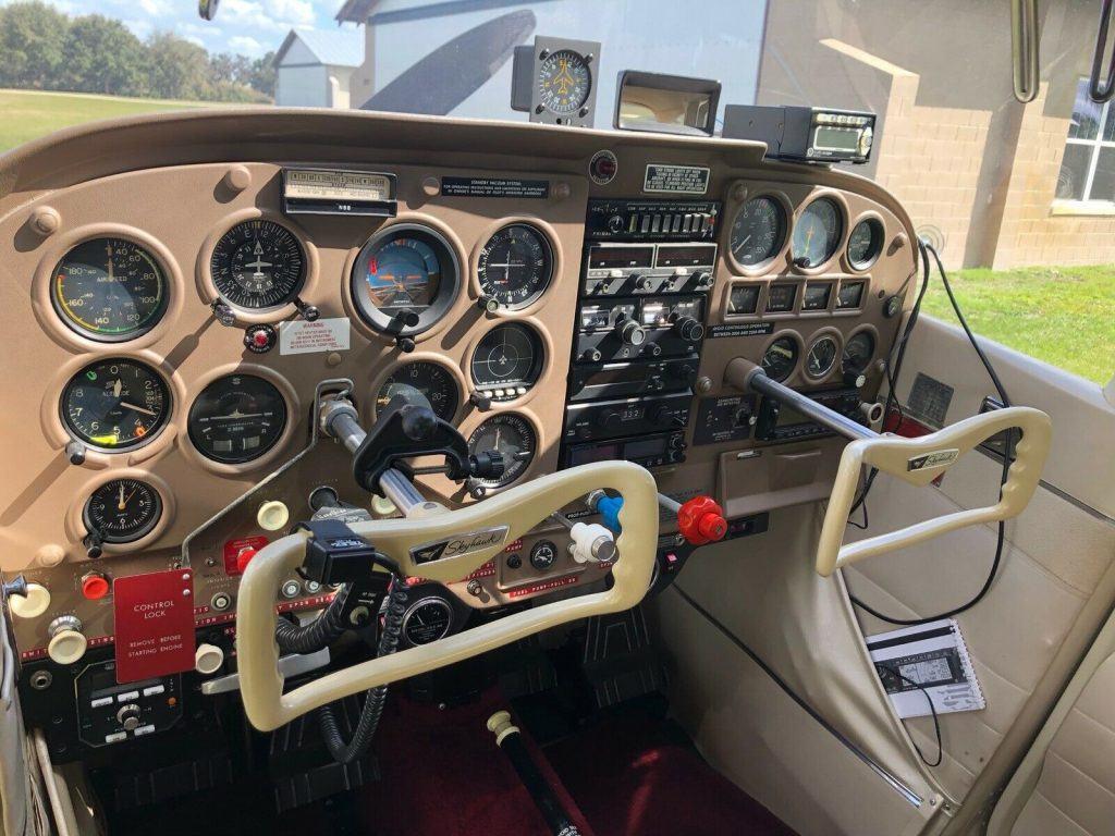 mint 1964 Cessna C172e aircraft