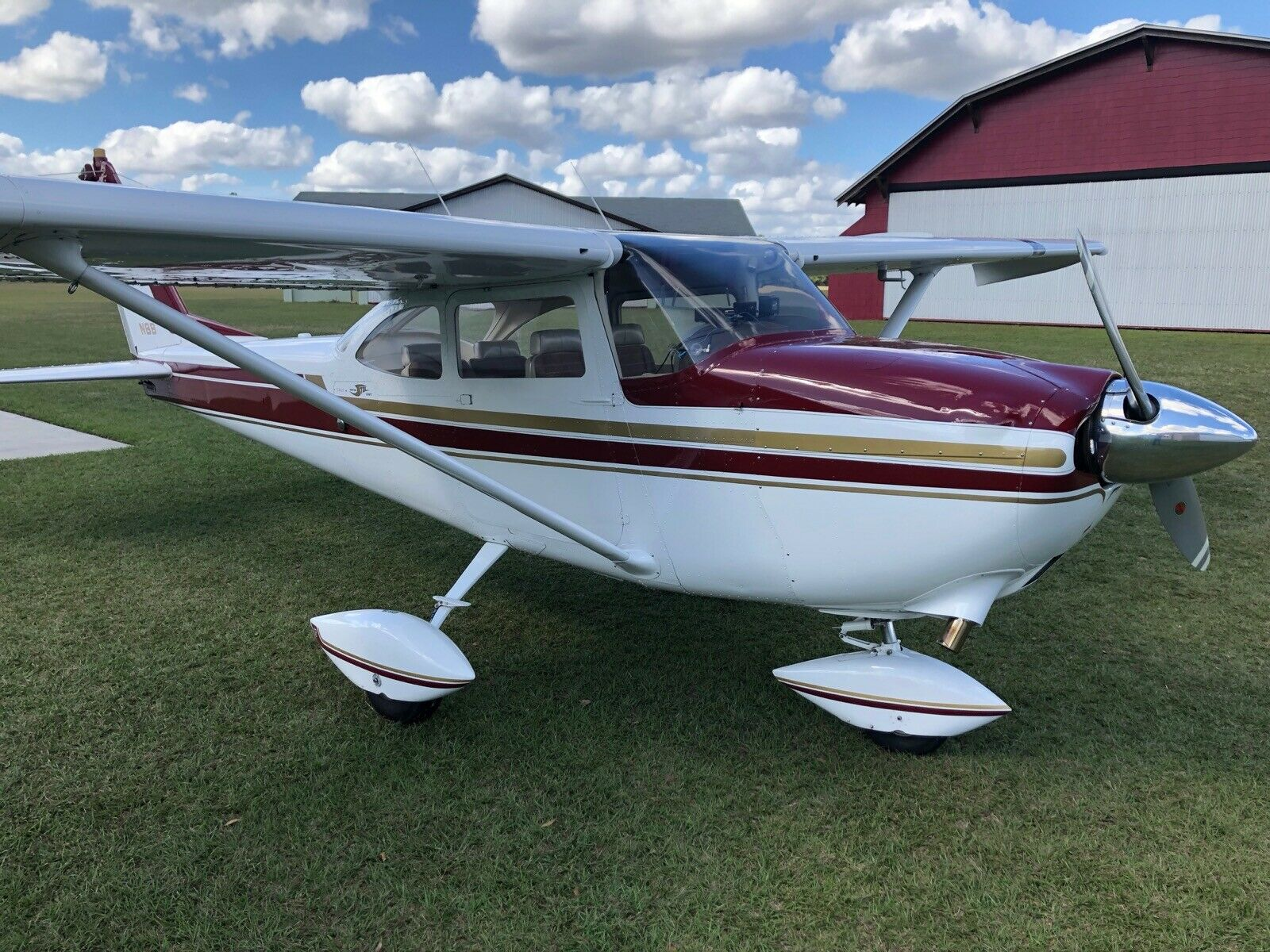 mint shape 1964 Cessna C172e aircraft for sale