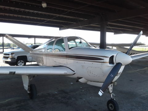beautiful 1958 Beechcraft Bonanza 35 Airplane Single Engine Aircraft for sale