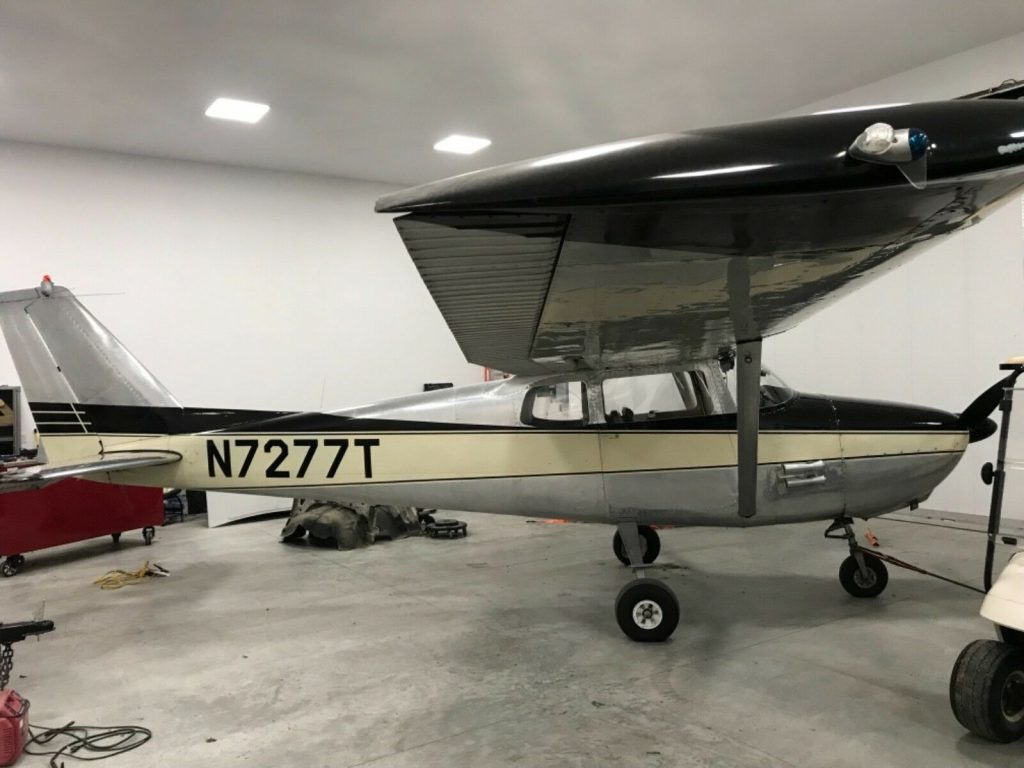hangared 1960 Cessna 172 aircraft