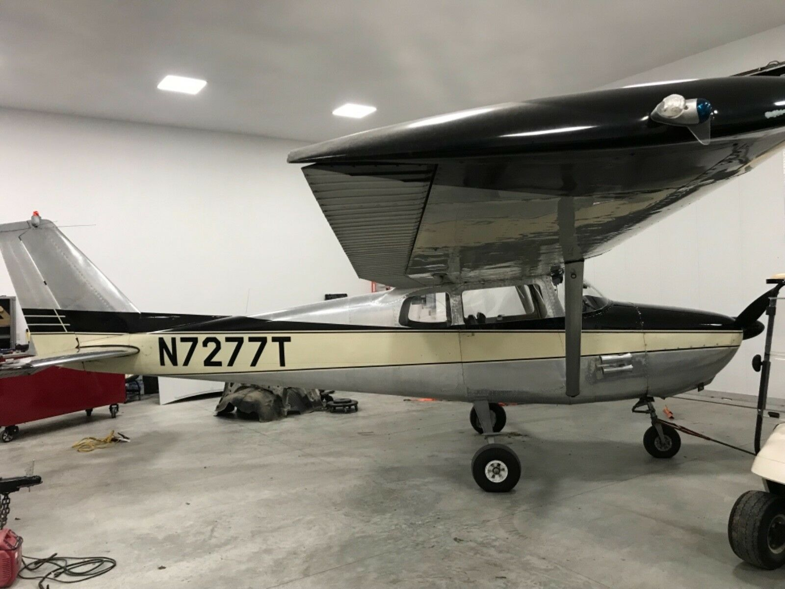 hangared 1960 Cessna 172 aircraft for sale