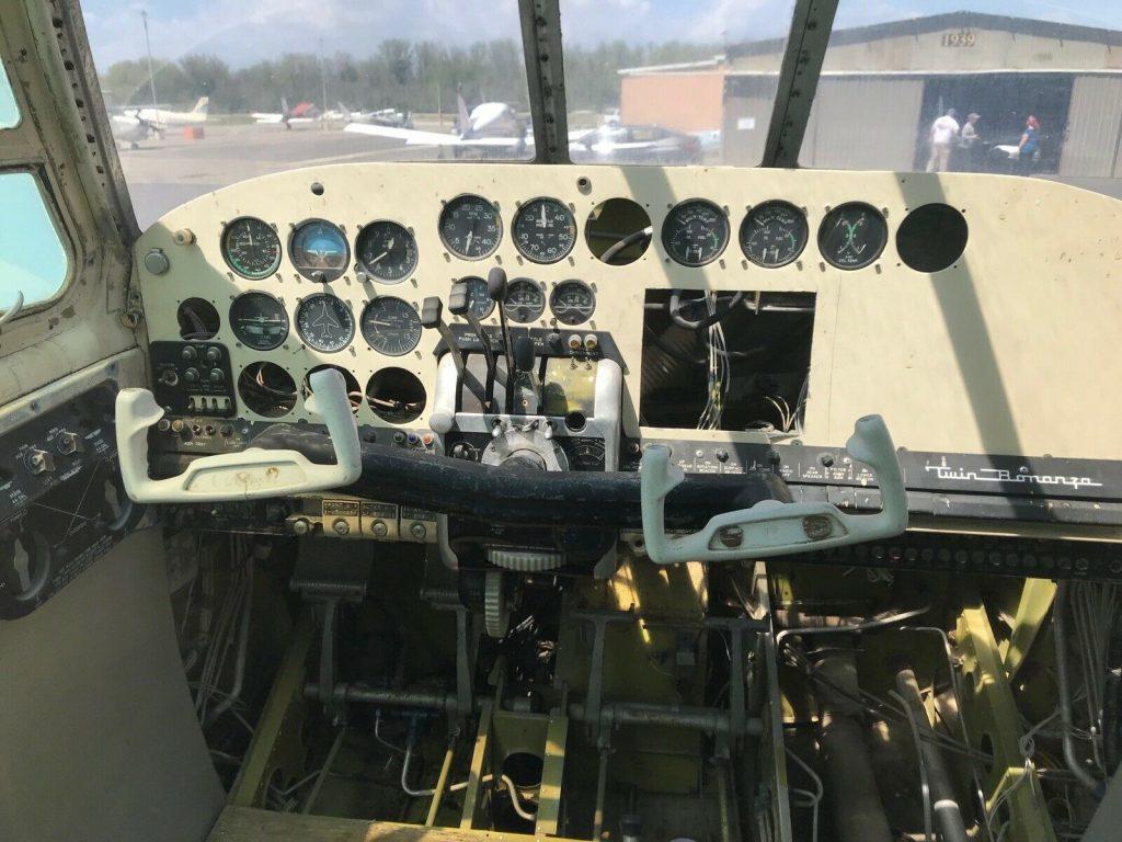solid 1960 Beechcraft Bonaza H50 aircraft