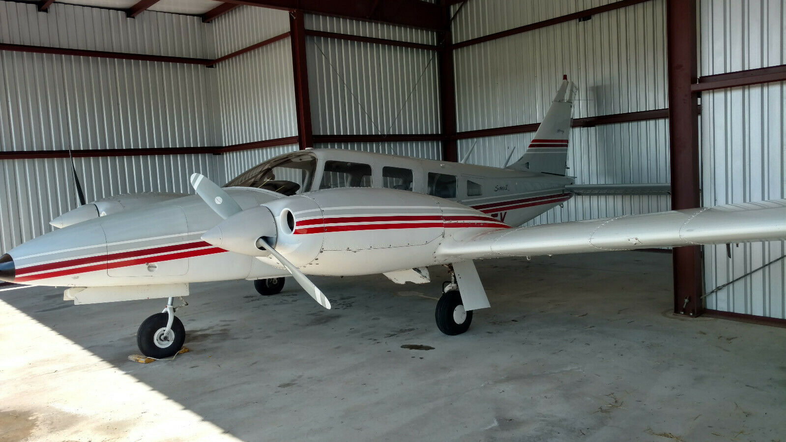 great shape 1975 Piper Seneca II PA 34 200T aircraft