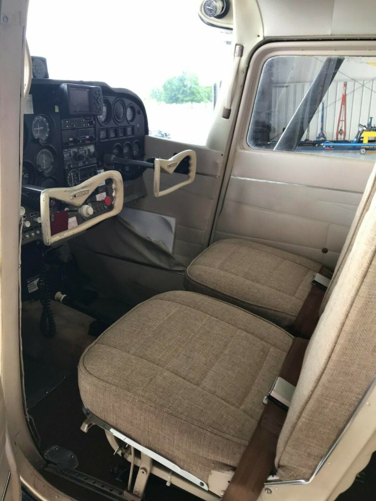 new interior 1964 Cessna 172 E aircraft