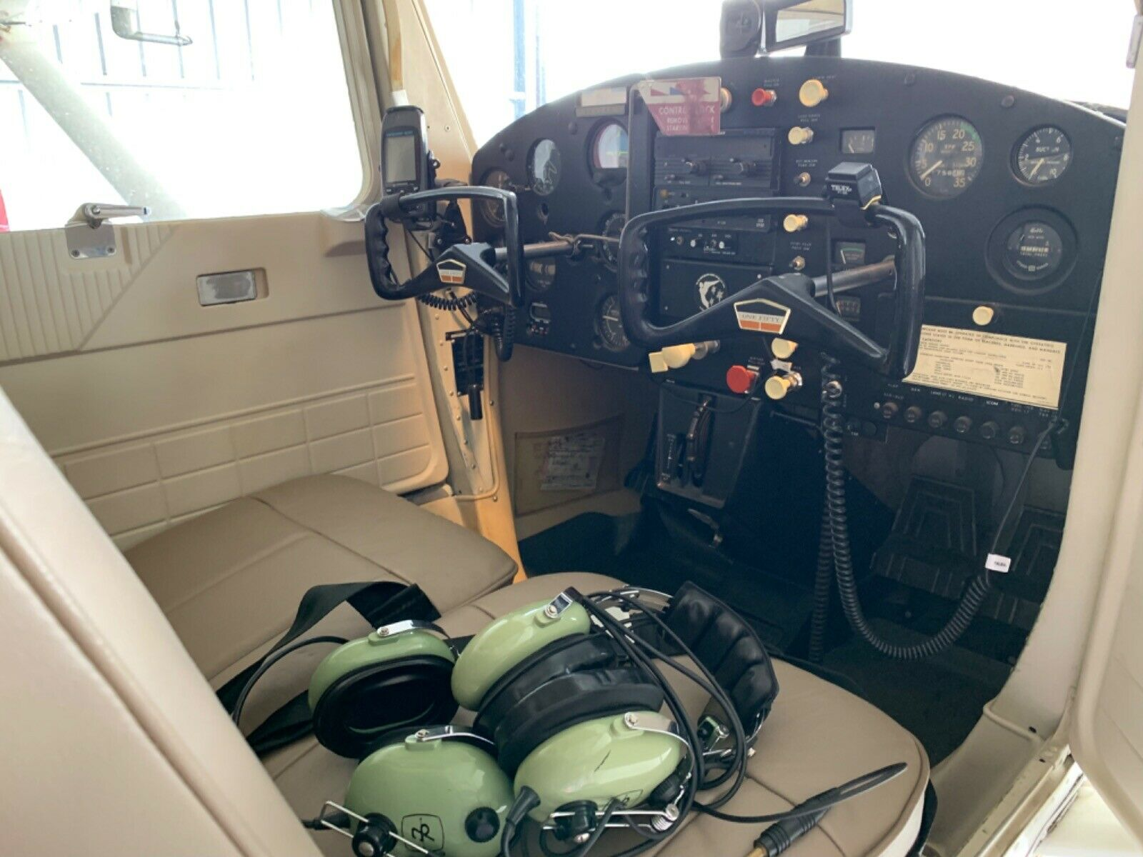 low hours 1965 Cessna 150 aircraft