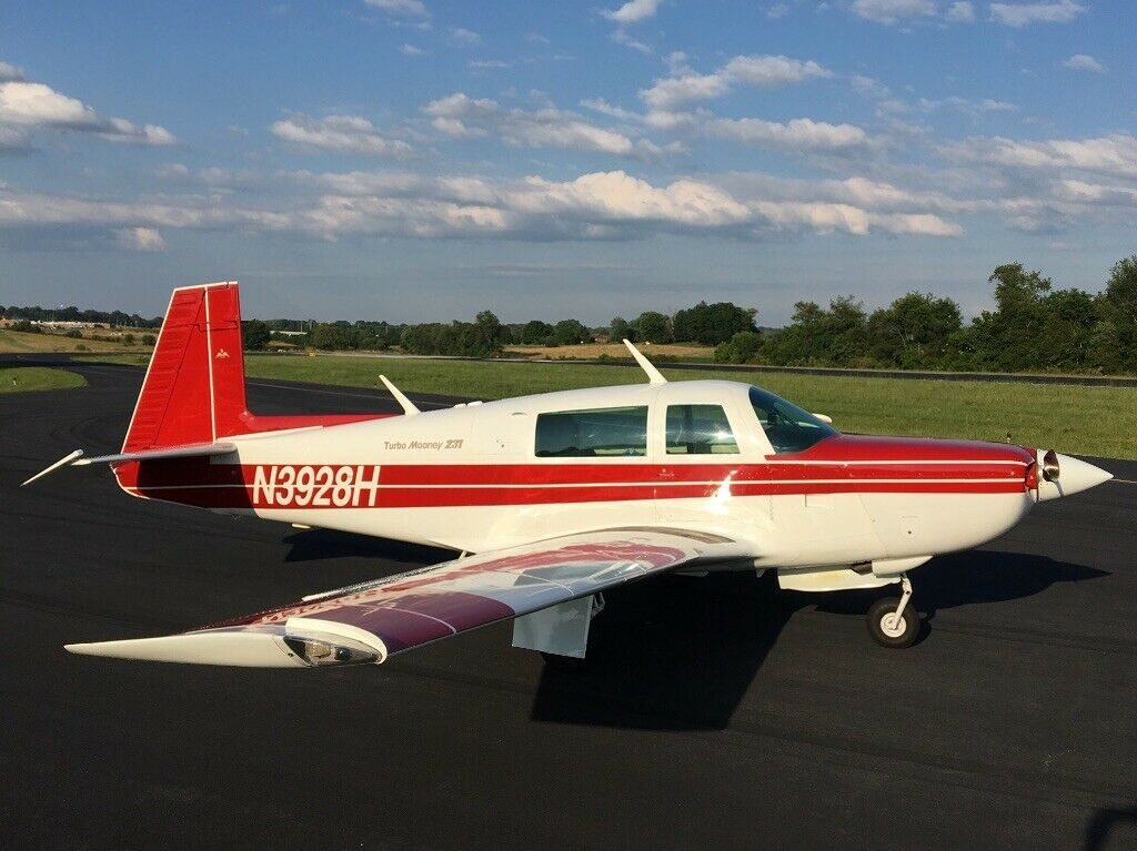 very low time 1979 Mooney M20K aircraft