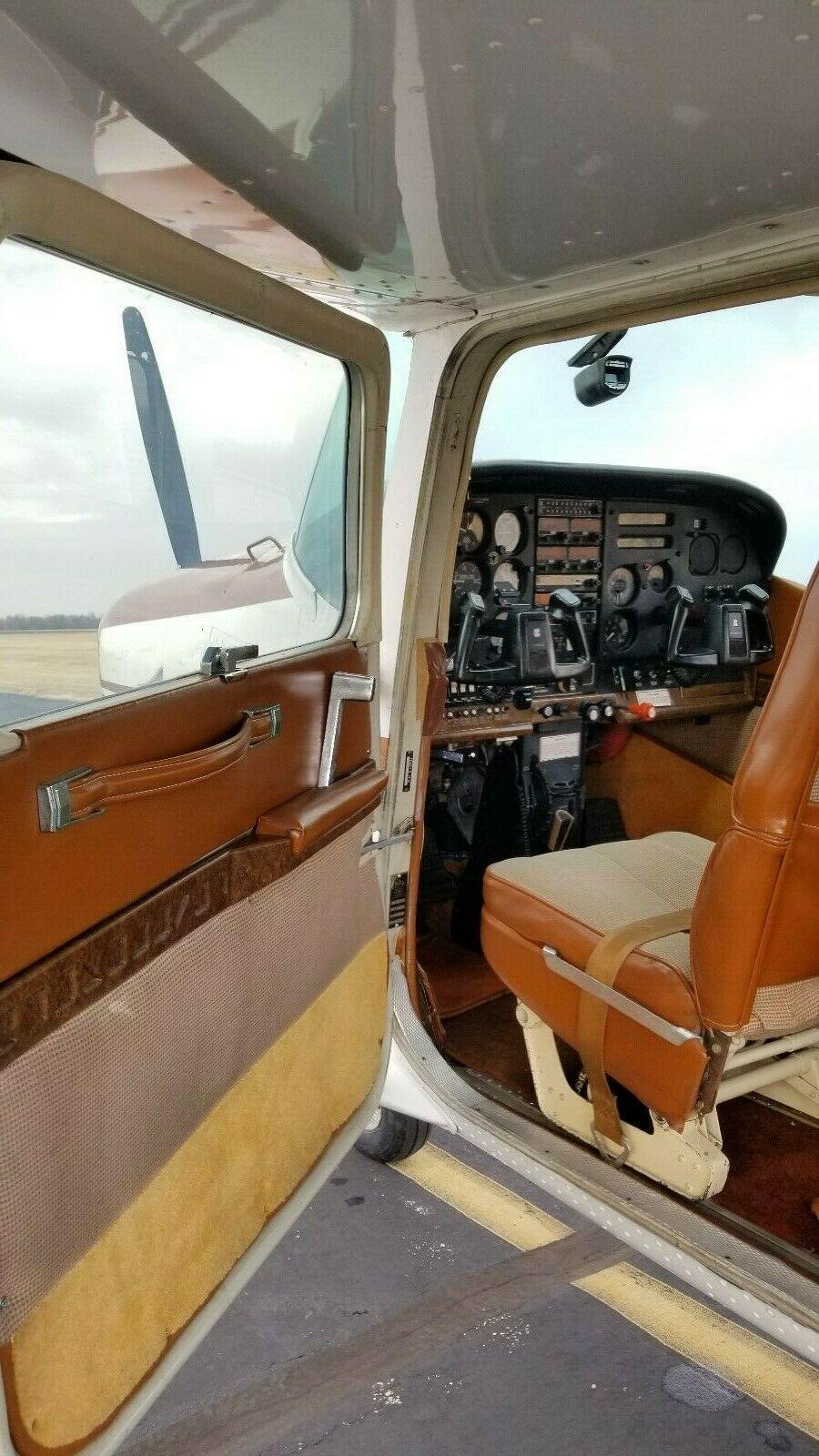 well equipped 1982 Cessna 182 RG Skylane II aircraft