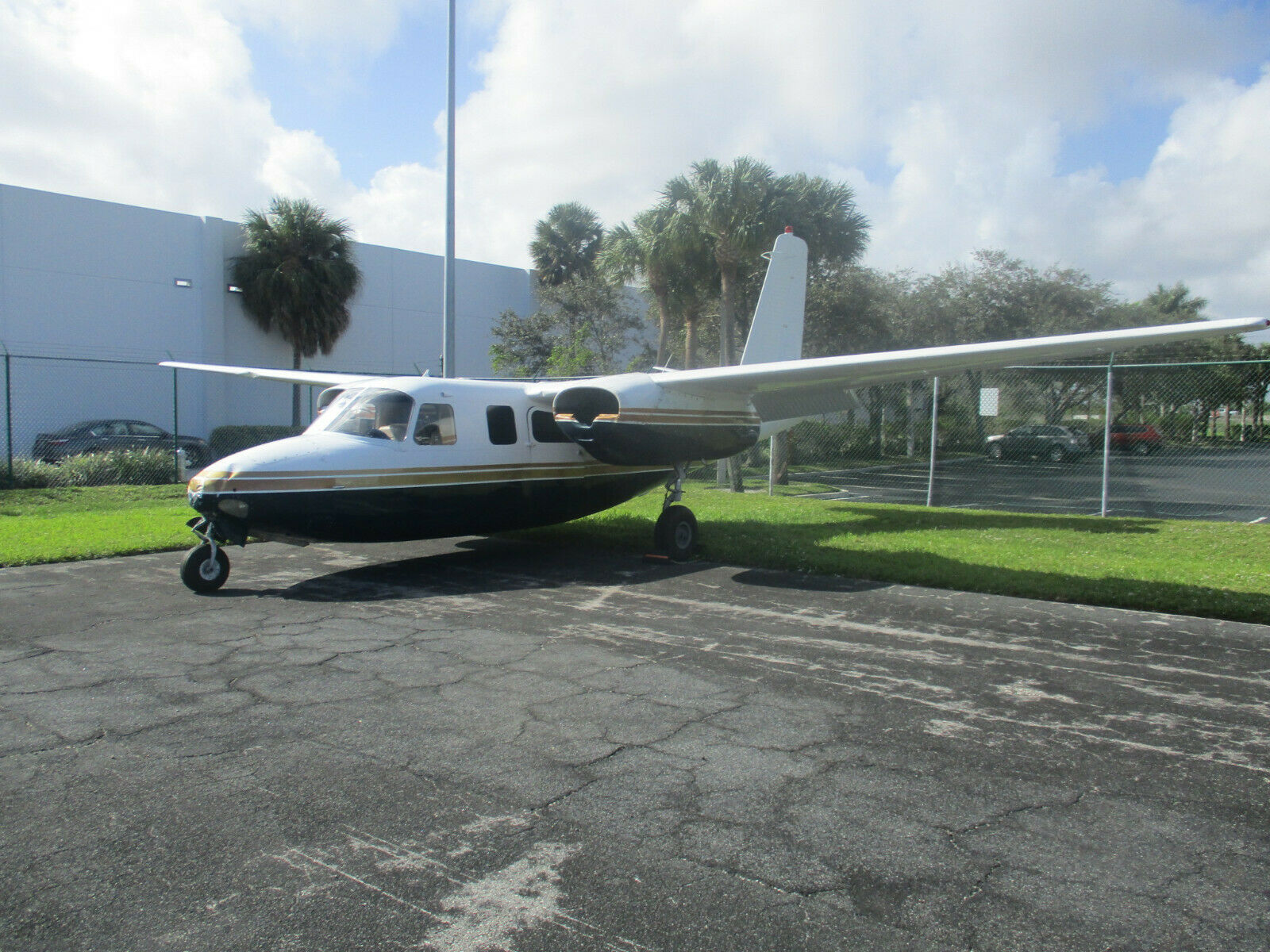 Complete 1958 AERO Commander 500 aircraft for sale