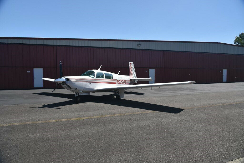 hangared 1982 Mooney M20K 305 Rocket aircraft for sale