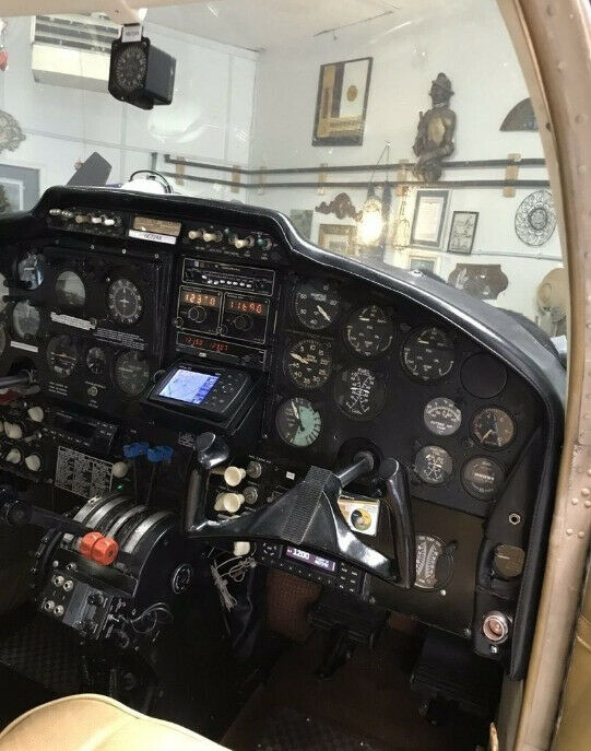 no damage 1961 Cessna 310F Twin Engine Aircraft