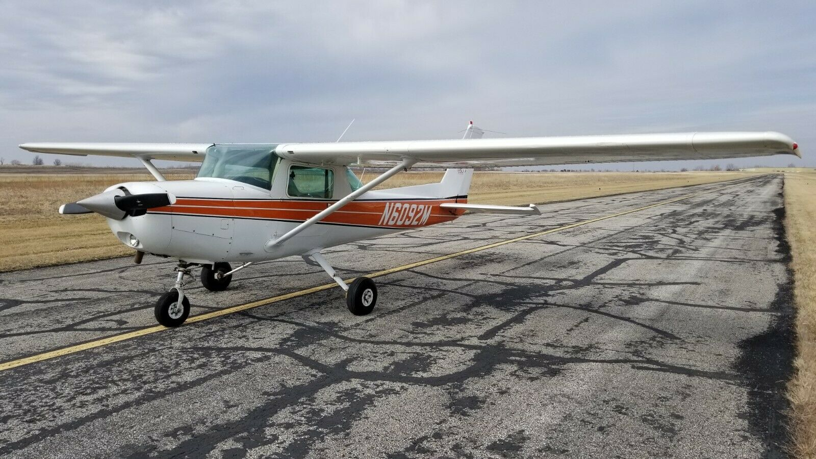 hangared 1981 Cessna aircraft for sale