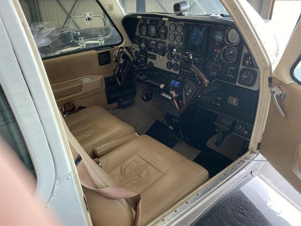 Always Hangared 1993 Beechcraft 58 Baron aircraft