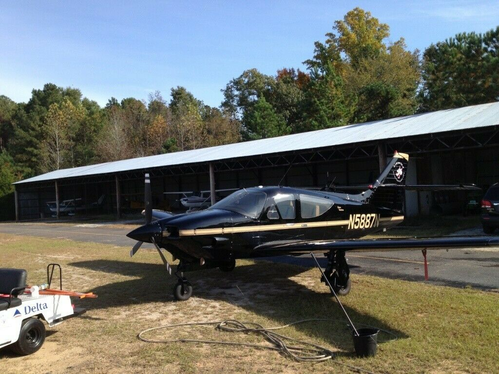 great shape 1979 Rockwell Commander 114A Gran Turismo aircraft