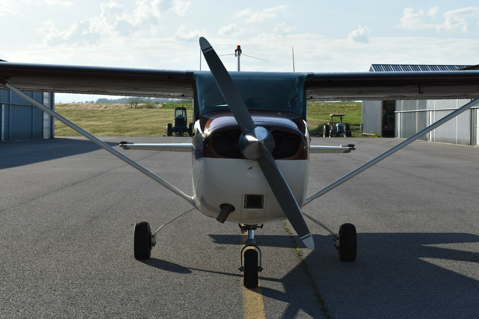 hangared 1969 Cessna 172K aircraft for sale