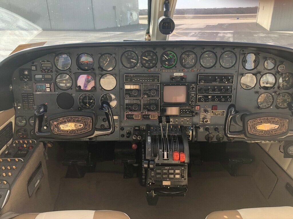 hangared 1975 Cessna 421B aircraft
