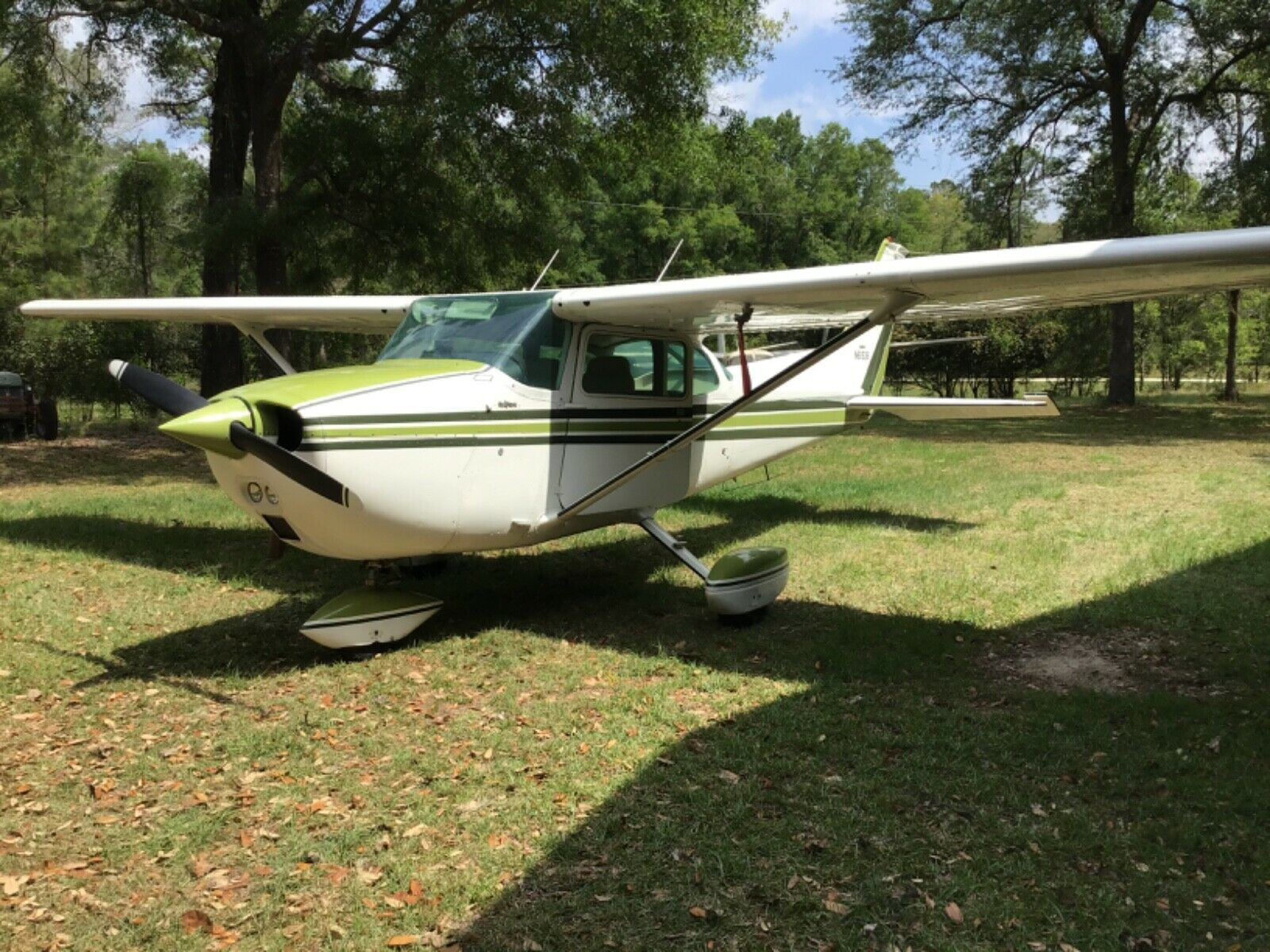 low time 1975 Cessna 172M aircraft