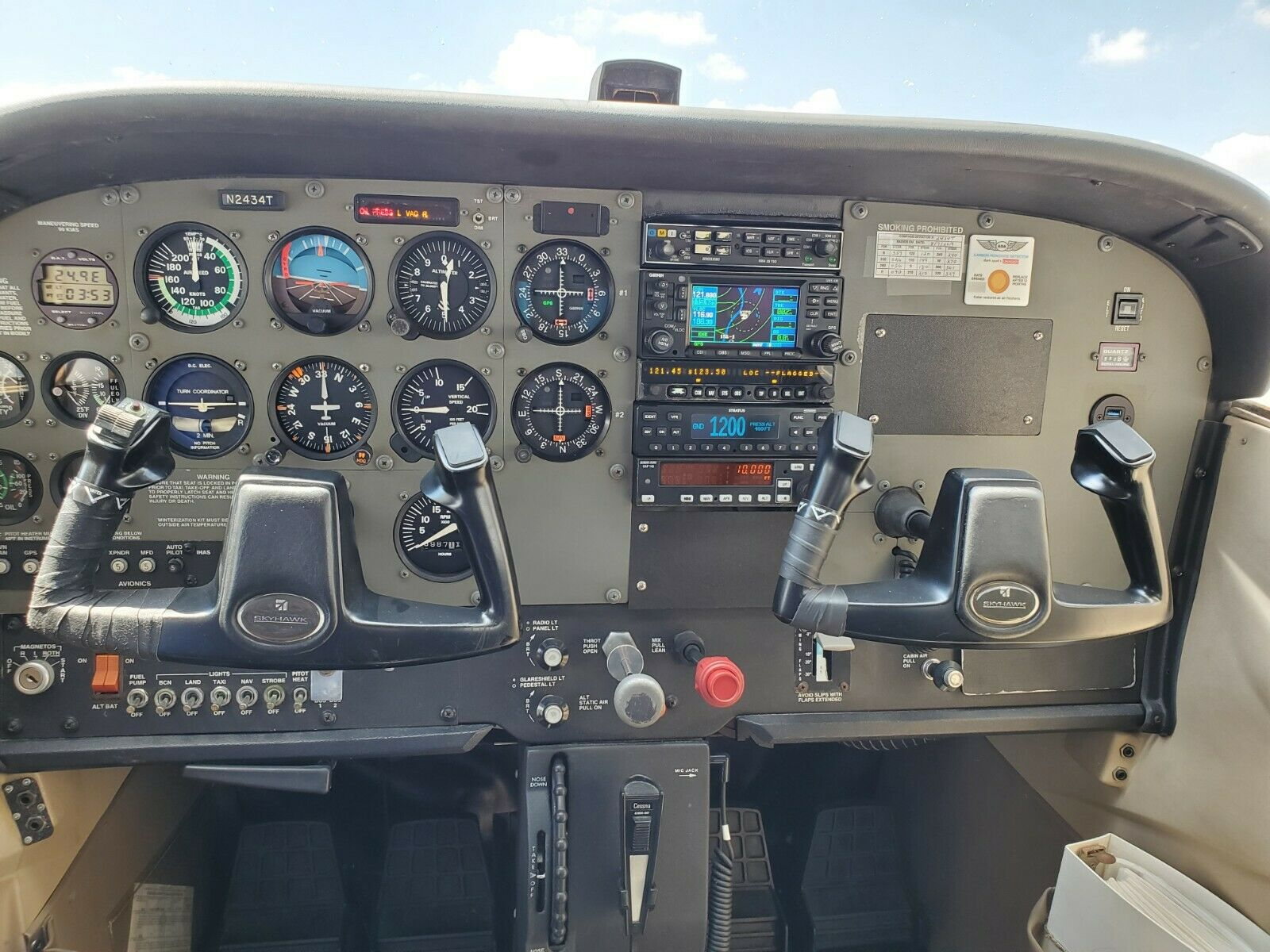 no damage 2006 Cessna 172R aircraft