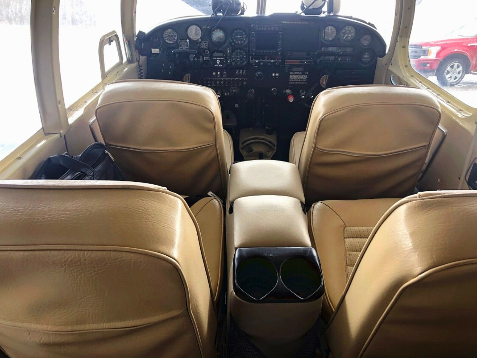 well maintained 1966 Piper Pa32/260 aircraft